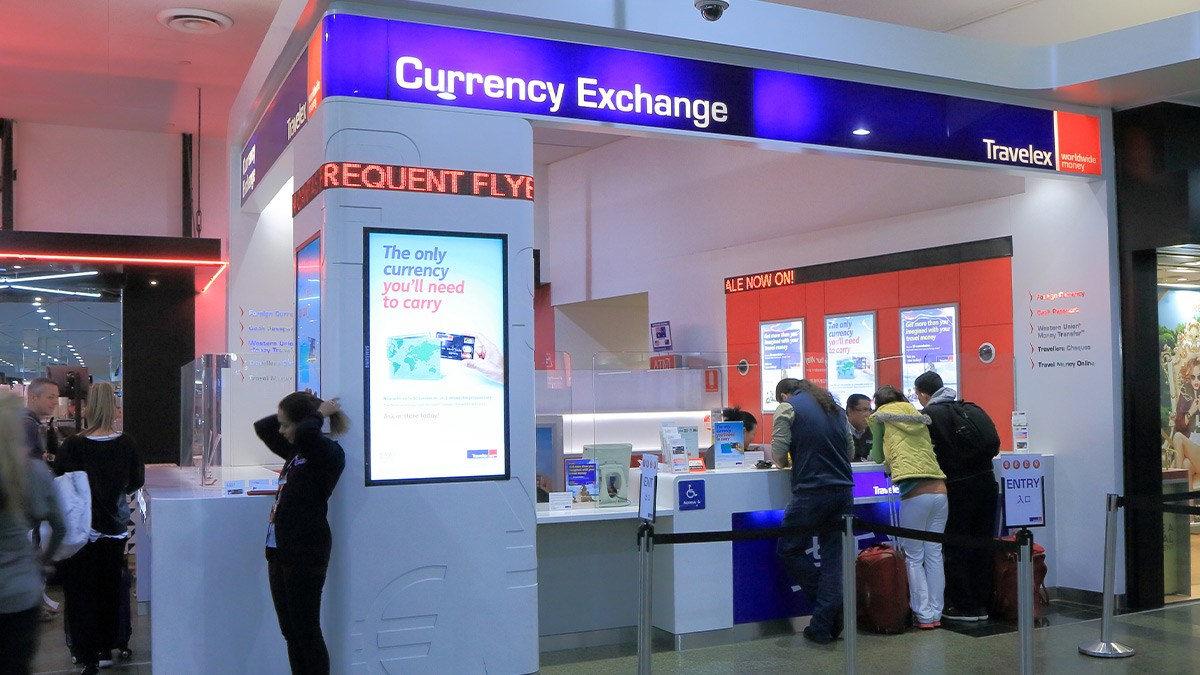 Kiosk to exchange currency